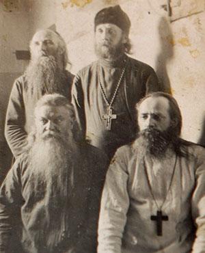 Отец Николай в Воронежской тюрьме с единомысленным духовенством. 1928 г.